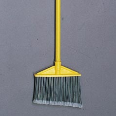 BRUTE UPRIGHT BROOM FLAGGED HD